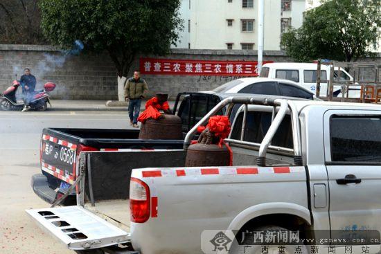 富川:民警千里追回山村失窃十多年古洪钟(图)