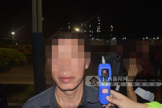 """钦州交警开展""""霹雳行动"""" 5人酒驾被查(图)"""